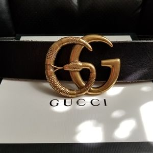 😘Authentic Gucci Belt Black Leather Snake Buckle